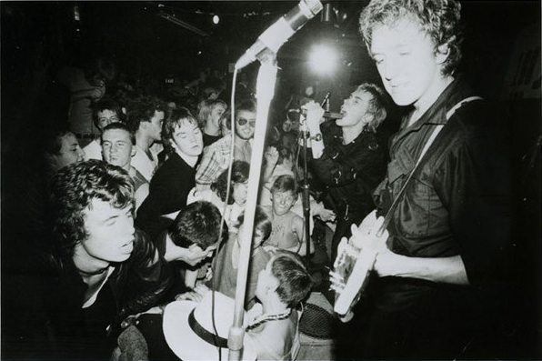 WB_77-Sex_Pistols_promo_(100_club)